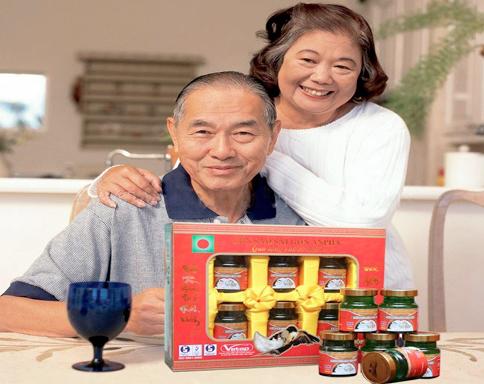 Tặng quà sinh nhật cho người lớn tuổi