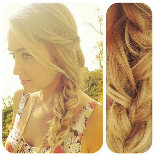 Style làm đẹp với các kiểu tóc dễ thương trong ngày Tết.